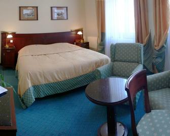 Grandhotel Garni - Jihlava - Bedroom