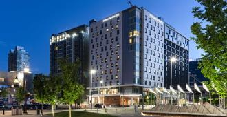 Homewood Suites by Hilton Calgary Downtown - Calgary - Building