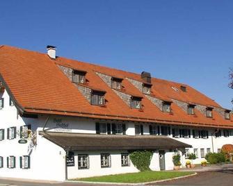 Hotel Gasthof Moosleitner - Freilassing - Building