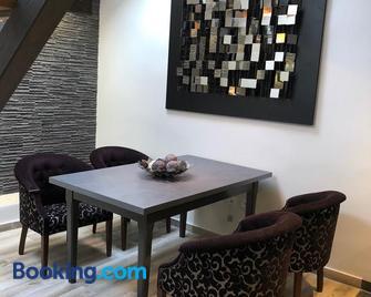 Pop Art Apartment - Subotica - Living room