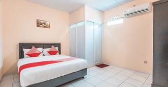 OYO 1868 J&b Room Pramuka - Jakarta - Bedroom