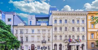 Hotel President - Budapest - Building