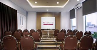 favehotel Rungkut Surabaya - Surabaya - Meetingraum