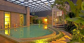 All-Ur Boutique Motel - Kaohsiung Branch - Kaohsiung - Pool