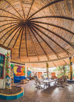 普拉維達青年旅舍 - 塔瑪琳多 - Tamarindo/塔瑪林度 - 天井