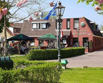 De4dames - Schiermonnikoog - Building