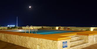 Hotel Plaza Cozumel - קוזומל - בריכה