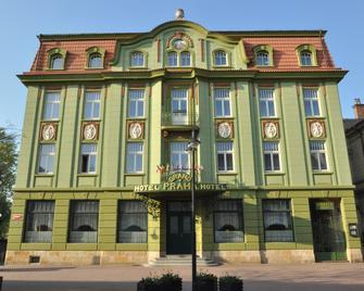 Grand Hotel Praha - Jičín - Building