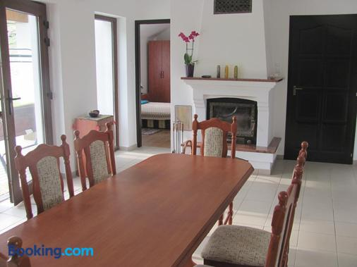 Beppe Vendégház - Abaliget - Dining room
