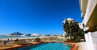 Shoreline Island Resort - Exclusively Adult - Madeira Beach - Pool