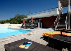 Appart'hôtel Odalys Olympe - Antibes - Piscina