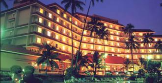 The Retreat Hotel & Convention Centre - Bombay - Edificio