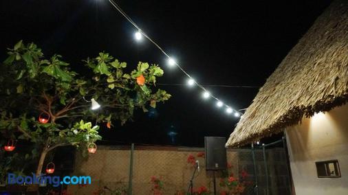 Vibra Guesthouse - Popoyo - Outdoors view