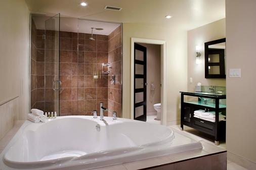Sterling Inn & Spa - An Ontario's Finest Inn - Niagara Falls - Bathroom