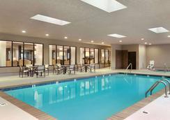 溫德姆溫蓋特斯萊德爾/新奧爾良東部區酒店 - 斯萊代爾 - Slidell - 游泳池