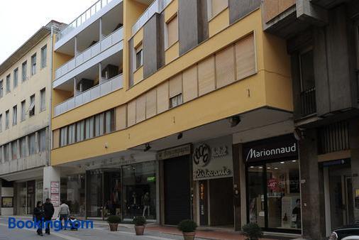 Hotel Cecco - Arezzo - Building