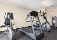 Travelodge Suites by Wyndham Saint John - Saint John - Gym