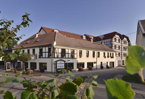 Adler Golf-& Tagungshotel - Grossebersdorf - Building