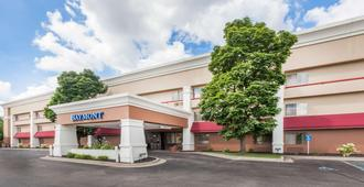 Baymont by Wyndham Grand Rapids Airport - Grand Rapids