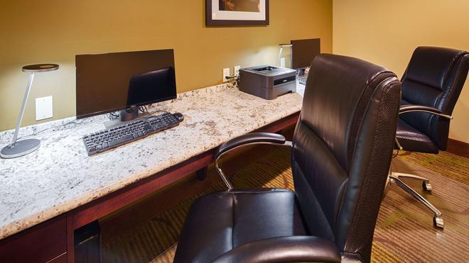 Best Western Plus New Orleans Airport Hotel - Kenner - Liikekeskus