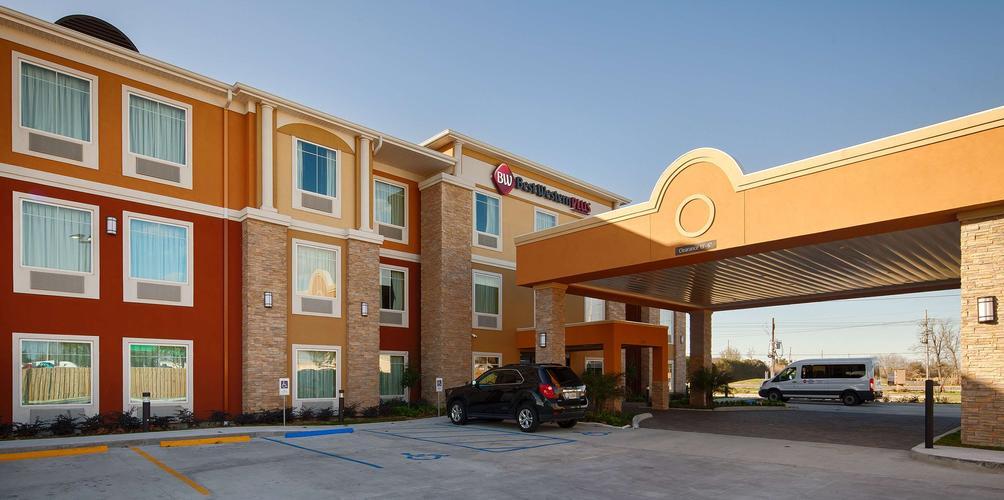 Best Western Plus New Orleans Airport Hotel 59 1 0 3 Kenner Hotel Deals Reviews Kayak
