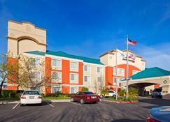 Best Western Plus Airport Inn & Suites - Oakland - Building