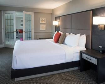 Crowne Plaza Fredericton-Lord Beaverbrook - Fredericton - Bedroom