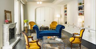 The Adelphi Hotel - Saratoga Springs - Living room