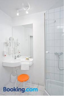 Hotel Kronprinz - Schwäbisch Hall - Bathroom