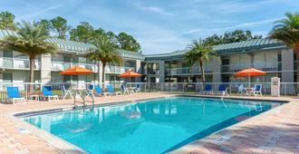 Quality Inn University North I-75 - Gainesville - Piscina