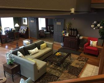 Country Inn & Suites by Radisson Mpls-Shakopee, MN - Shakopee - Living room