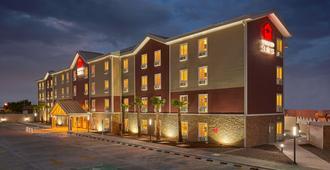 Extended Suites Tijuana Macroplaza - ติฮัวนา - อาคาร