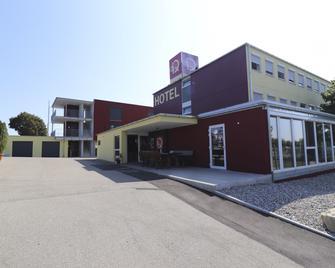 Iq Hotel - Langenau - Budova