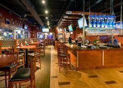 Holiday Inn Niagara Falls-Scenic Downtown - Cataratas del Niágara - Bar