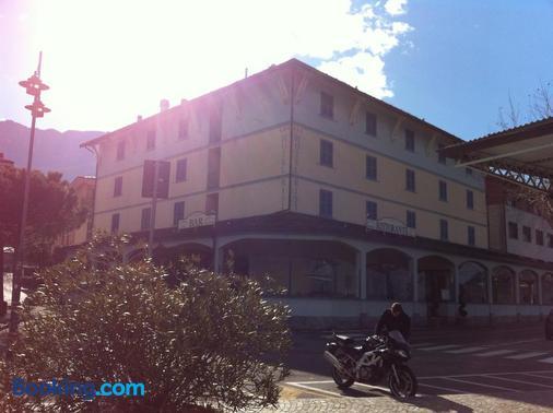 Hotel Risi - Colico - Building