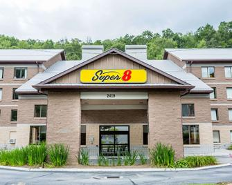 Super 8 by Wyndham Boone NC - Boone - Building