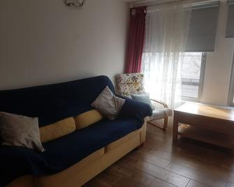 Cozy City Apt with Summer Pool - Gibraltar