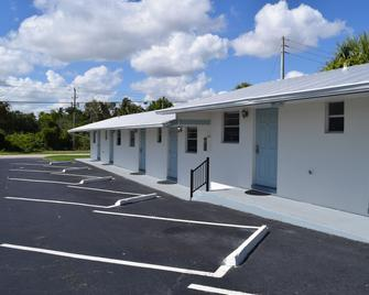 Caribbean Shores Jensen Beach Motel - Jensen Beach - Building