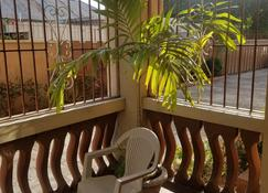 Sandringham Av - Kingston - Balcony