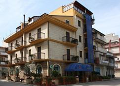 Albergo La Coccinella - Lavello - Gebäude