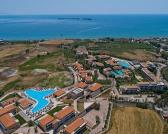 Apollonion Asterias Resort And Spa - Lixouri - Outdoor view