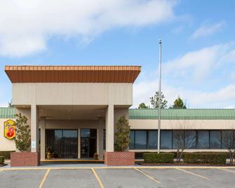 Super 8 by Wyndham Atoka - Atoka - Building