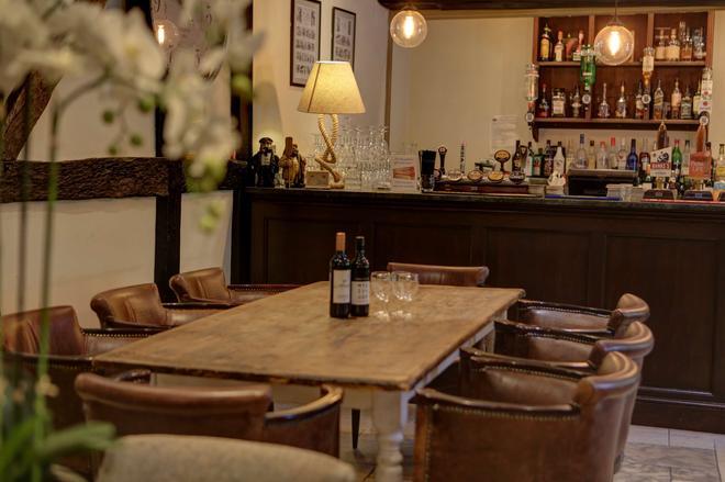 Best Western Salisbury Red Lion Hotel - Σόλσμπερι - Bar