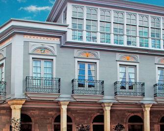 Hostal Siglo XIX - Cacabelos - Edificio