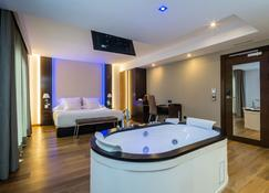 Mb Boutique Hotel - Adults Only - - Nerja - Bedroom