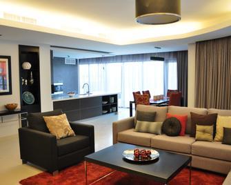 Majestic Arjaan By Rotana - Muharraq - Living room