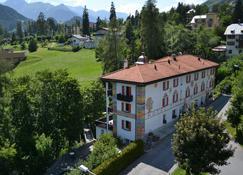 Hotel Filli - Scuol - Κτίριο