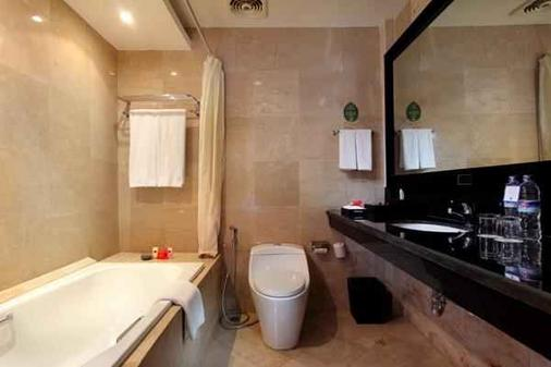 Best Western Resort Kuta - Kuta - Bathroom