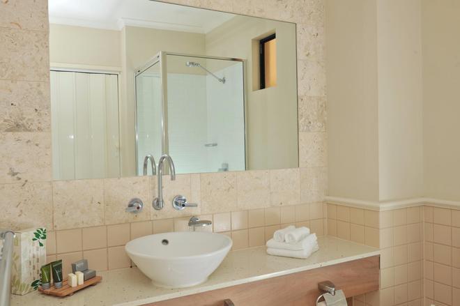 Mantra Heritage Port Douglas - Port Douglas - Bathroom
