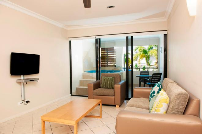 Mantra Heritage Port Douglas - Port Douglas - Living room